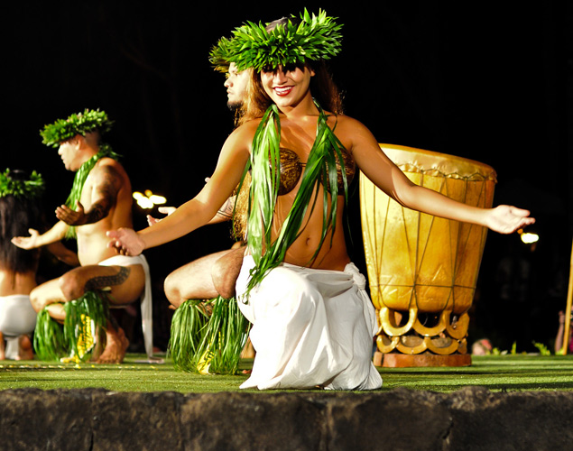 excellent hula show in Hawaii