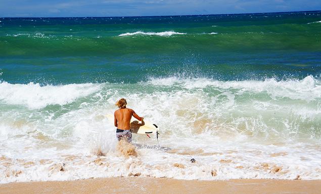 Paia Maui surfing