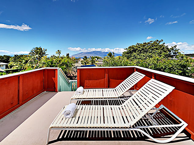 Maui Bliss villa Wailea vacation rental rooftop lounge chairs