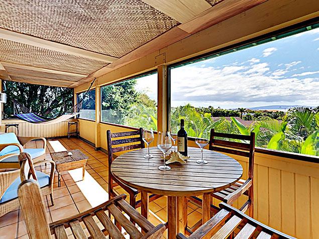 Maui Bliss villa Wailea vacation rental screened-in patio